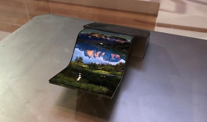 中国企业拟增产OLED面板 追赶韩国