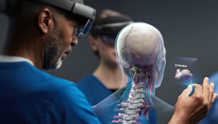 microsoft-HoloLens-2-pic03