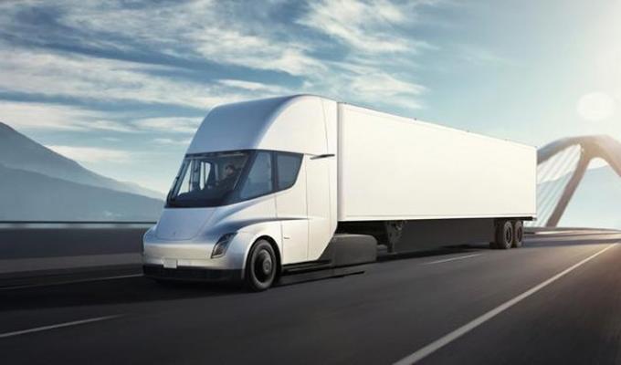 特斯拉明确表态:电动卡车Semi的生产将推迟到明年