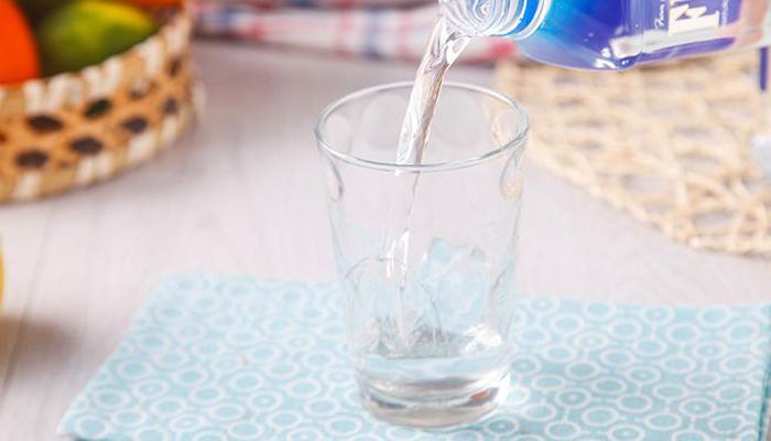 我们一天应该喝多少水?8乘8法则并无太多科学依据