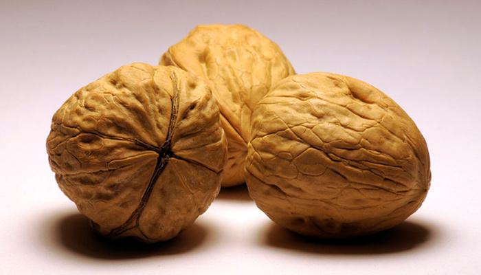 研究称吃核桃可以通过降血压来降低患心脏病的风险