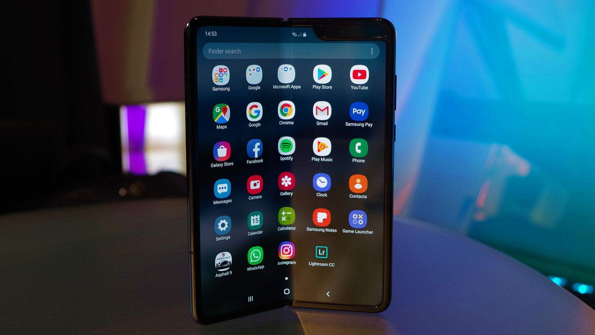 Galaxy-Fold-samsung-mobile-2