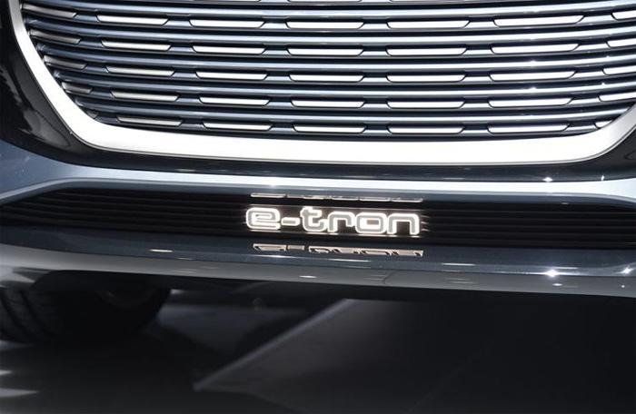Q4-e-tron-auto-pic-2