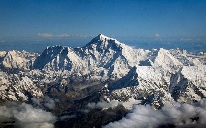 西媒:喜马拉雅山冰川融化 冰封污染物正在释放