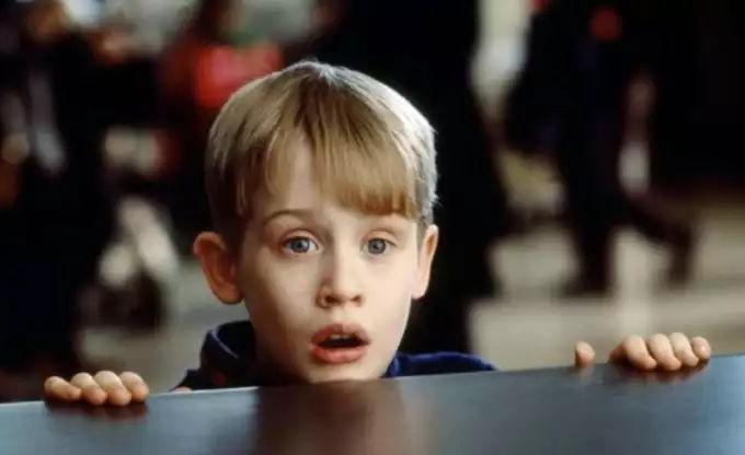 《小鬼当家》凯文扮演者迪士尼:给我打电话