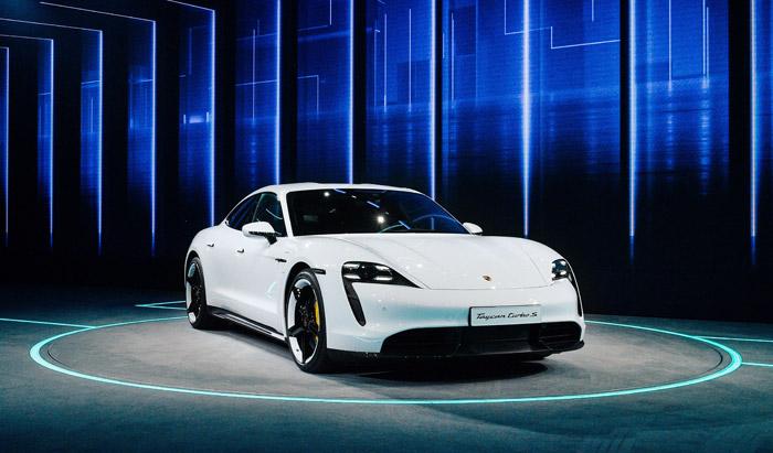 Porsche-E-auto-2