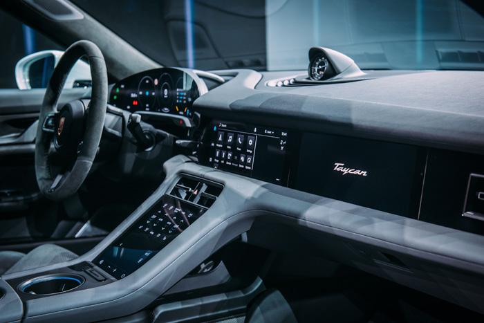 Porsche-E-auto-4