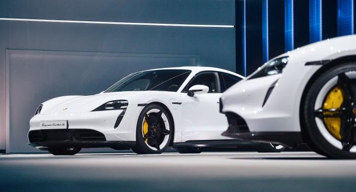 Porsche-E-auto-8