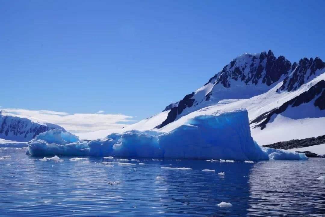 最新研究显示:地表融化导致南极冰川更快地滑向海洋