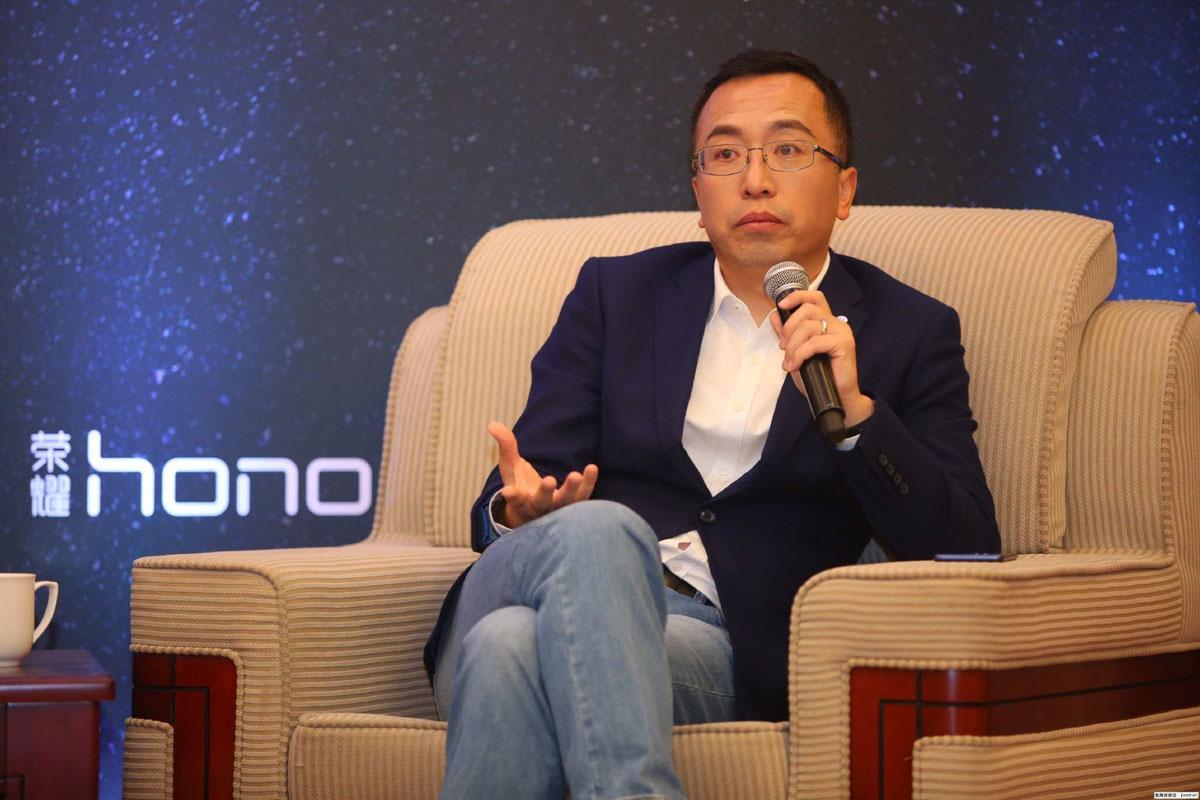 小米高管怒怼荣耀赵明:怎么不出一款4G年度爆款机?