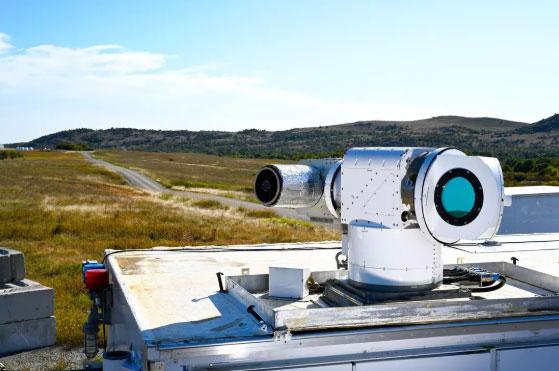 """美国空军对洛克希德·马丁的""""雅典娜""""激光武器系统进行测试"""