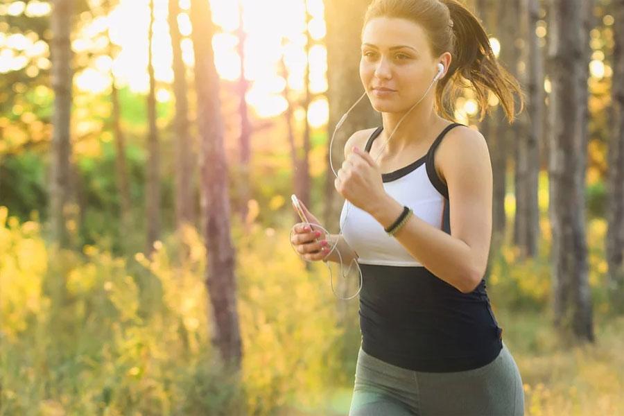 跑起来:跑步与死亡风险降低27%相关 跑多少都行