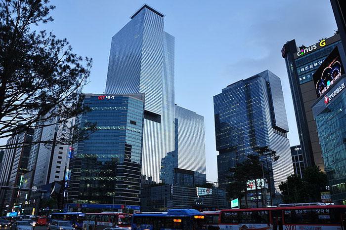 韩国过度教育问题凸显 30%的人高学历低就业