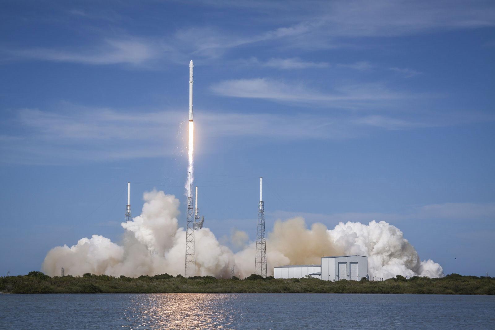 国内航天发射再创纪录:快舟一号甲1天2次送7颗卫星上天