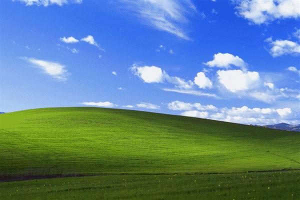 Windows XP经典壁纸拍摄地24年后变样:蓝天白云还在 绿地没了