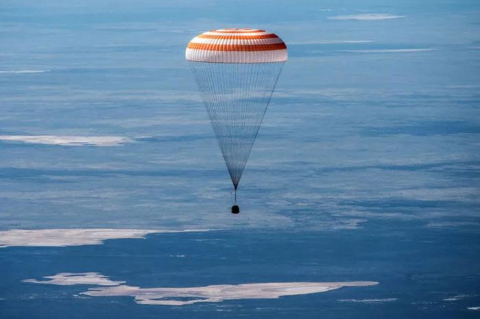 三名ISS宇航员安全返回:地球却已发生巨变