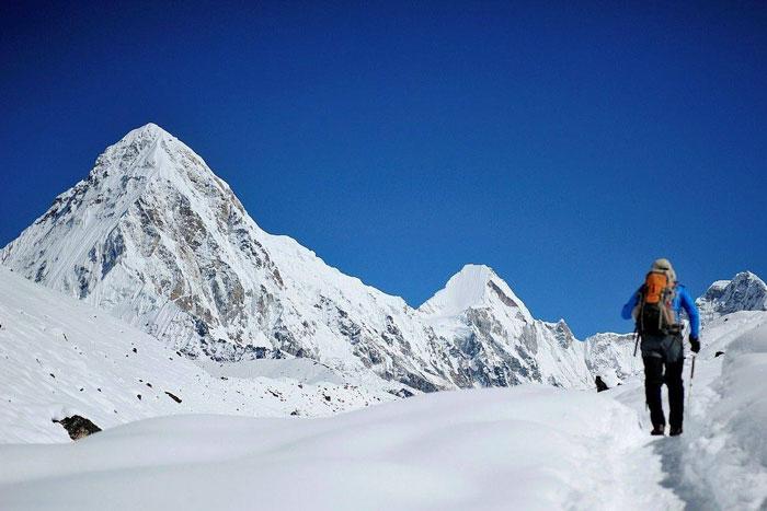 中国登山队再攻珠峰!将精确测量高度:8844.43米或成历史