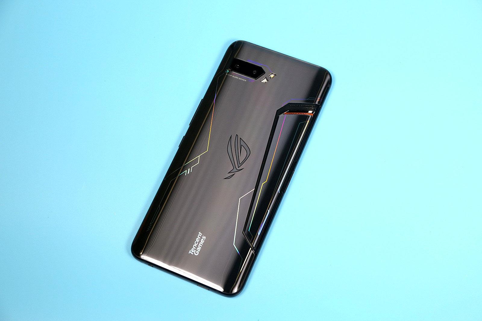 搭载骁龙865!华硕将于7月推出ZenFone 7和ROG Phone III