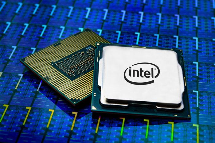 美国害怕芯片卡脖子 特朗普给Intel支招:赶快开放14/10nm代工