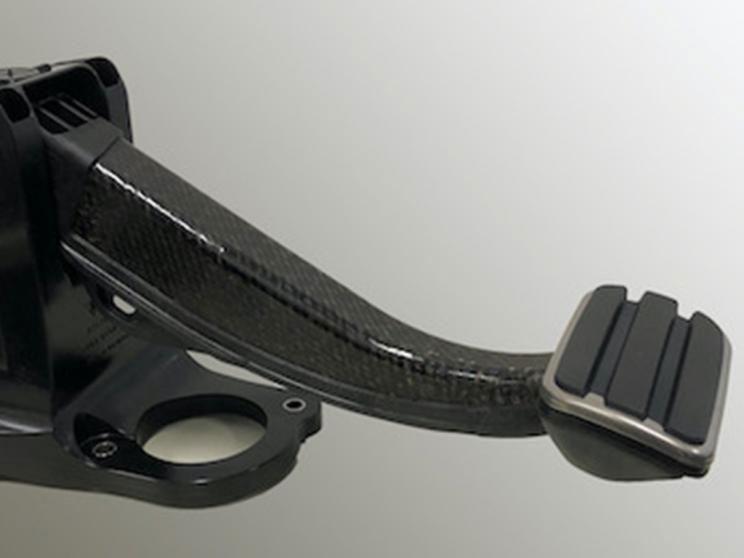 保时捷:Taycan将使用全塑料制动踏板 重量减轻50%
