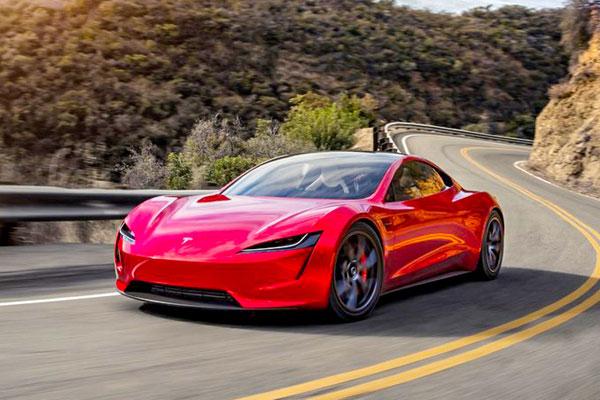 1.9s破百 续航998公里!马斯克:特斯拉将推迟交付新款Roadster超跑