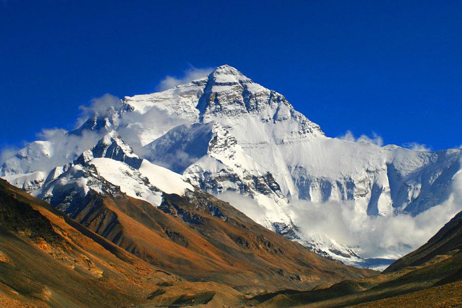 珠穆朗玛峰为什么高度一直在变?科学家找到根本原因