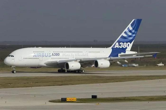 卡塔尔航空宣布长期封存10架空客A380飞机