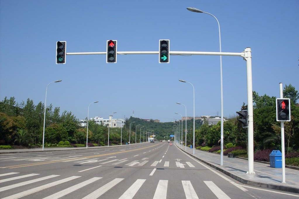 明日起!上海市行人闯红灯直接处罚 现场开罚单