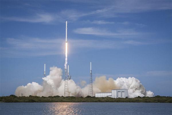 中国可重复使用试验航天器成功着陆